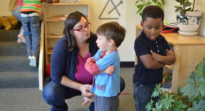 Curso grátis de Diálogos e Mediação de Conflitos nas Escolas